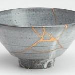Quando i Giapponesi riparano un oggetto rotto, valorizzano la crepa: ecco come è nata questa usanza e la filosofia che c'è dietro!